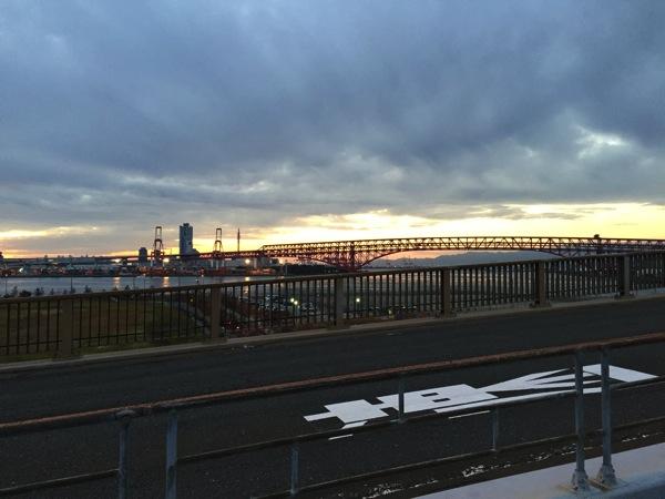 なみはや大橋の夕陽