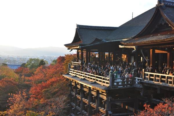 京都・清水寺の紅葉の見ごろ予想・2013