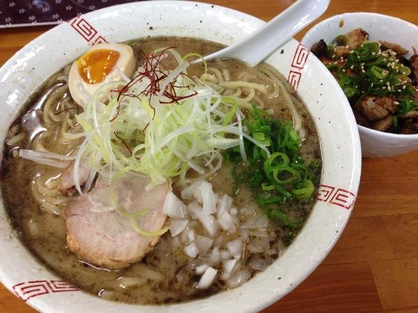 ついに伝説のラーメン・大阪中津の「らーめん弥七」へ!!