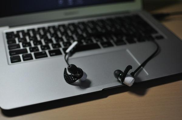 ランニング中の音楽にはこれしか考えられない!Bluetoothイヤホン「JayBird BlueBuds X」!!