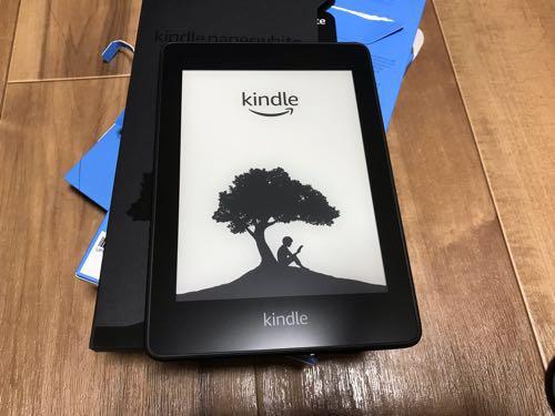 Amazonの電子書籍端末「Kindle Paperwhite」購入!さっそく、電源オンしてみた!!